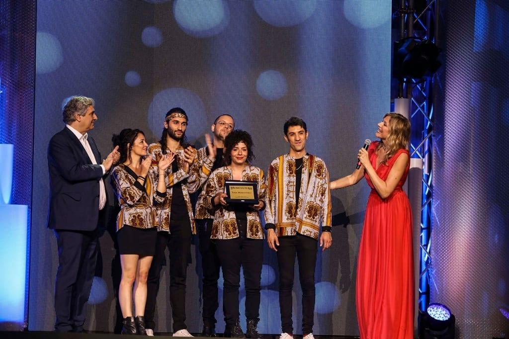 Lo straniero vince il premio Musicultura in tour