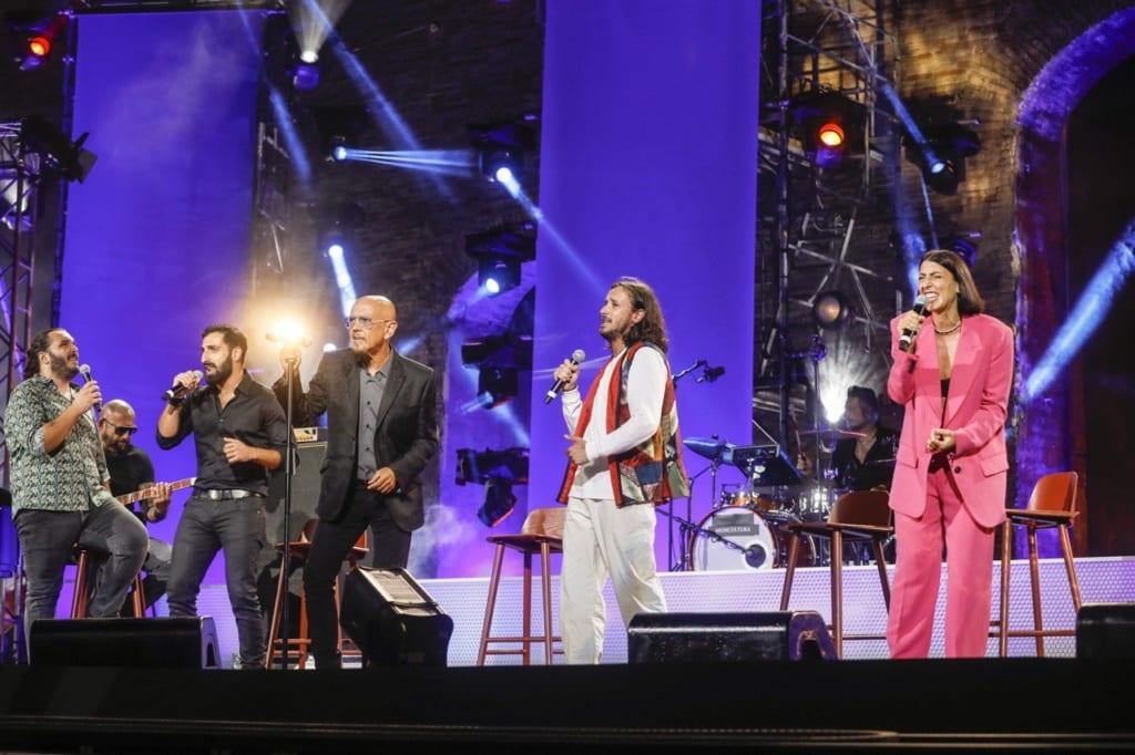 Enrico Ruggeri e i 4 vincitori del concorso